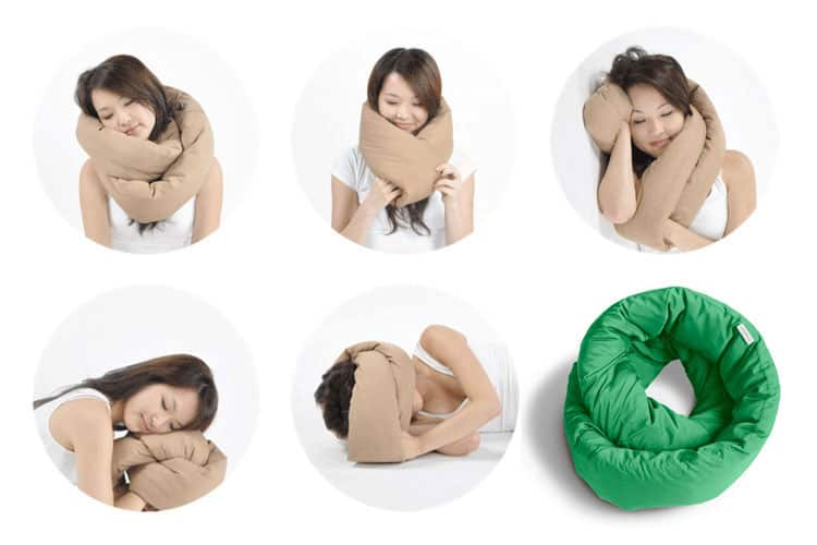 best gift for traveling mom - infinity pillow