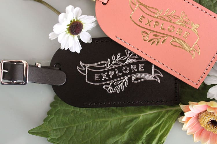 best luggage tag gift for mom who loves to travel