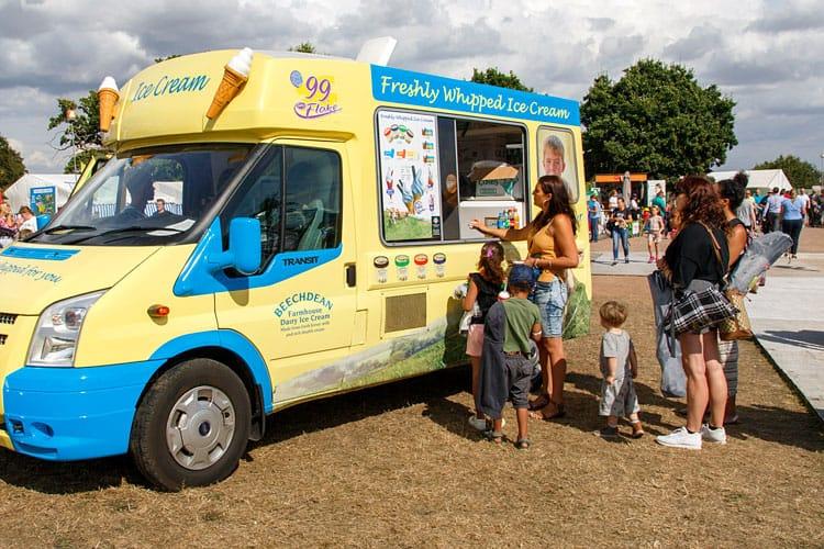 food trucks in maui