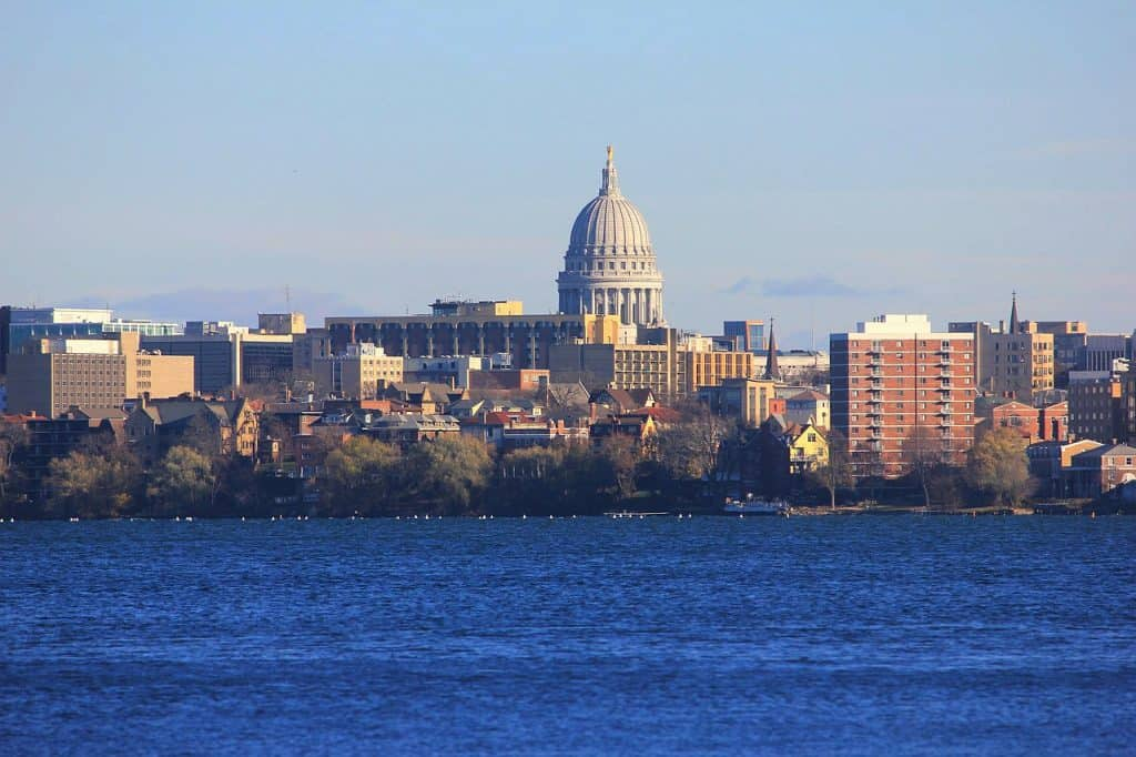 madison wisconsin city skyline
