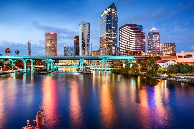 night skyline of Tampa, Florida