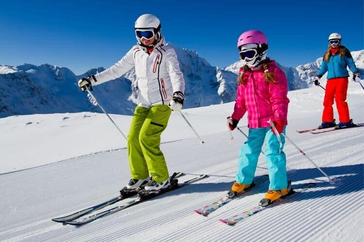 Planning Family Vacation Skiing