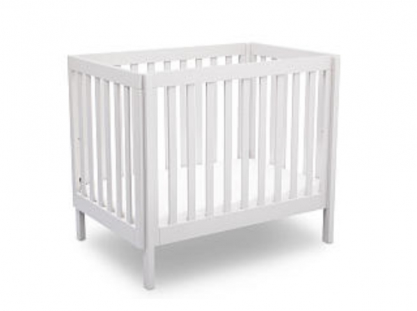 BabyQuip Baby Equipment Rentals - Full-size Crib with Linens - Leah Elise - Chicago, Illinois