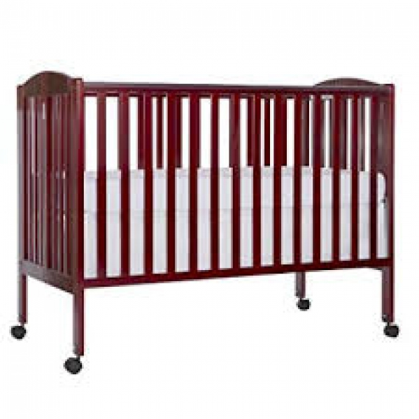 Full-size Crib with Mattress and Sheet