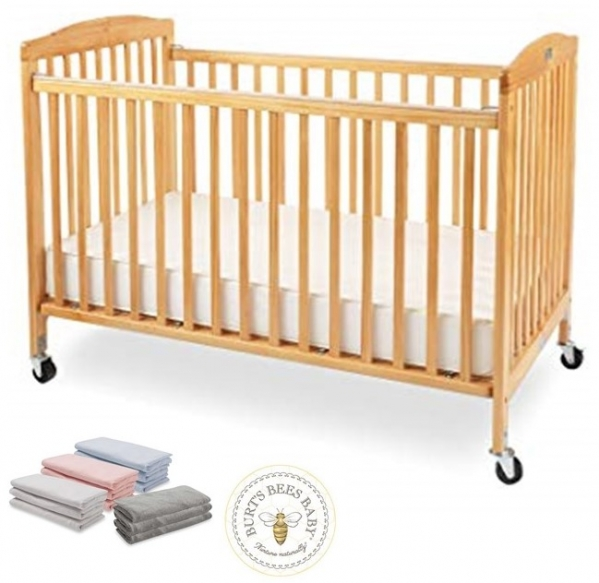 Full-size Wooden Crib with Organic Cotton Sheet