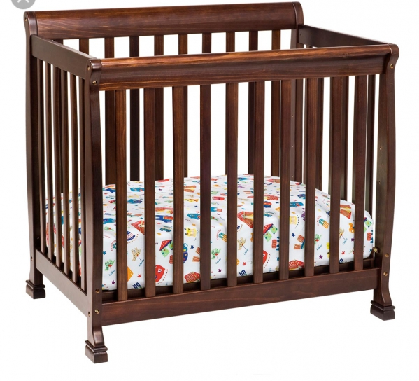 BabyQuip - Baby Equipment Rentals - Mini crib (condo or apartment size) - Mini crib (condo or apartment size) -