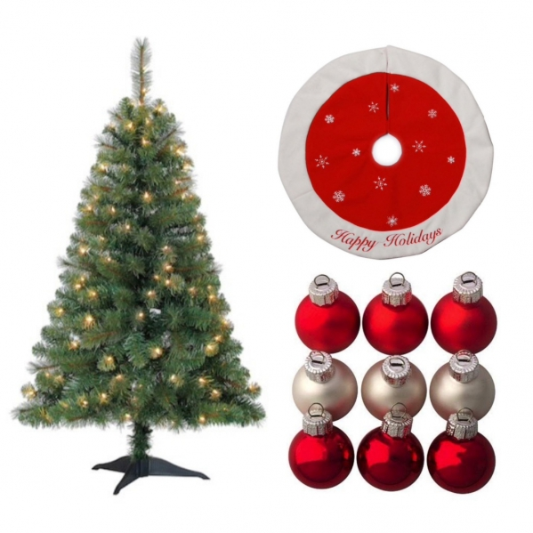Rent Christmas Decorations.Christmas Tree With Classic Decorations Hershey